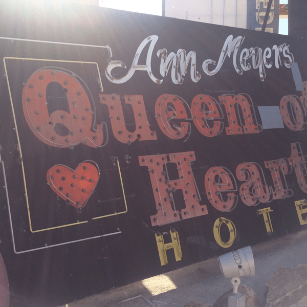 Las Vegas Neon Museum: Queen of Hearts Hotel