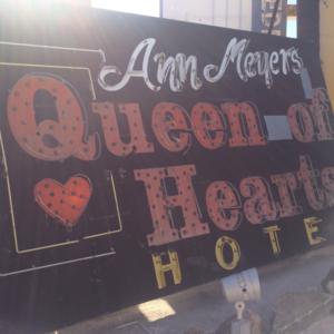 Las Vegas Neon Museum: Queen of Hearts Hotel