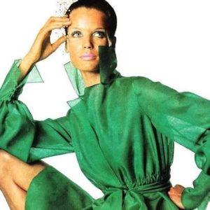 Veruschka in emerald green, Irving Penn, US Vogue 1968