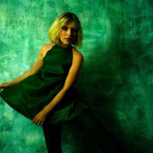 Debbie Harry rockin a green dress, photo by William Coupon
